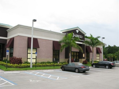 Jewelry store in Aventura for gold and diamonds rings and necklaces